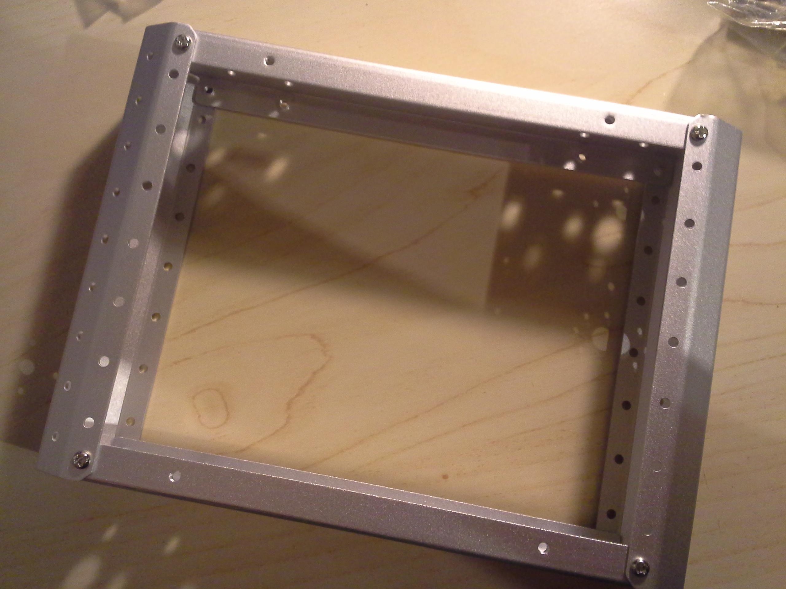 4WD Aluminium Mobile Robot Platform Bild 04: Rahmen verschrauben
