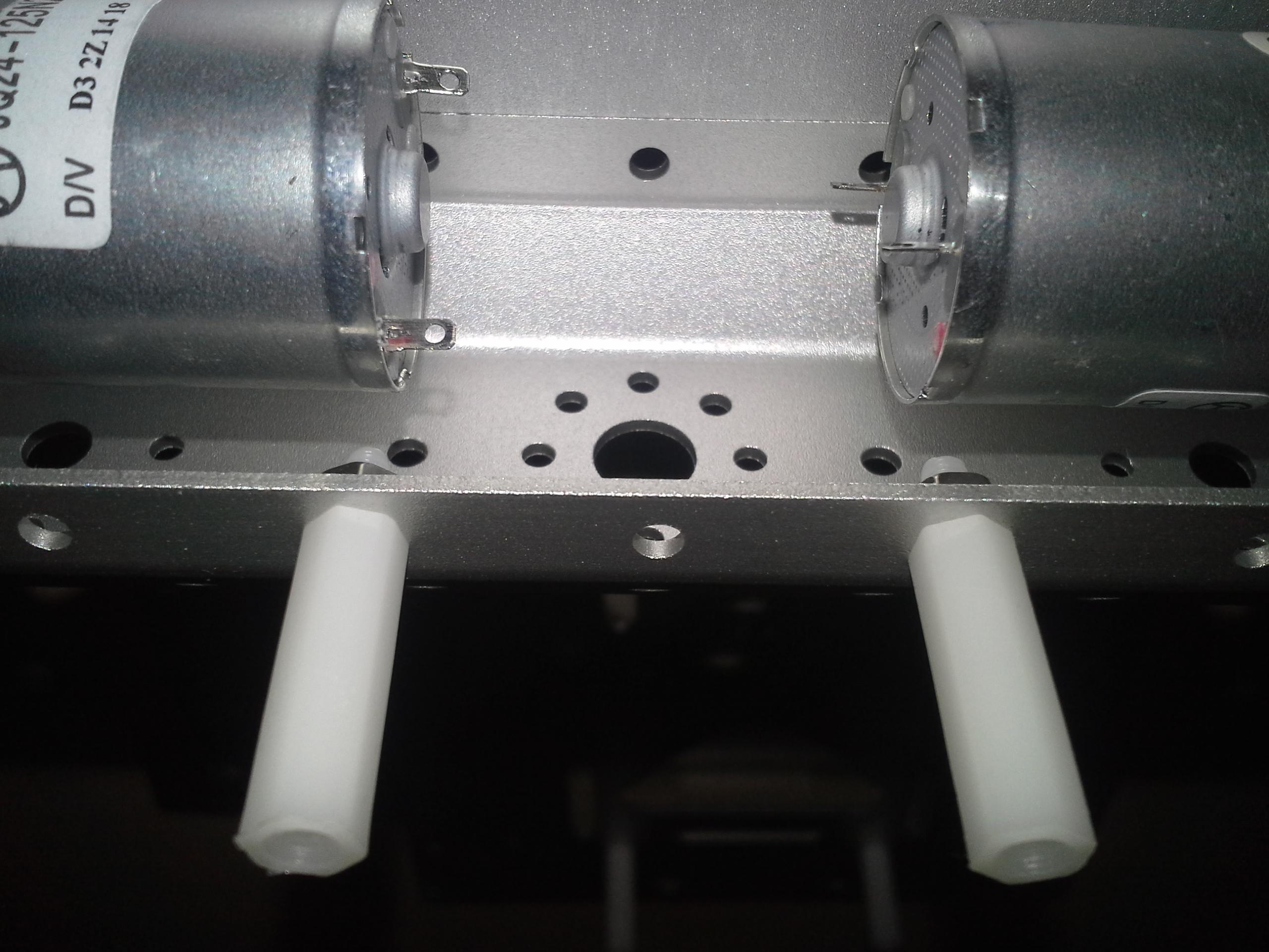 4WD Aluminium Mobile Robot Platform Bild 20: Montage der Halterung