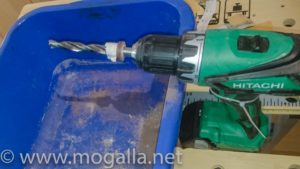 Bild: Schleifen der Dicke mittels umfunktioniertem Akkuschrauber